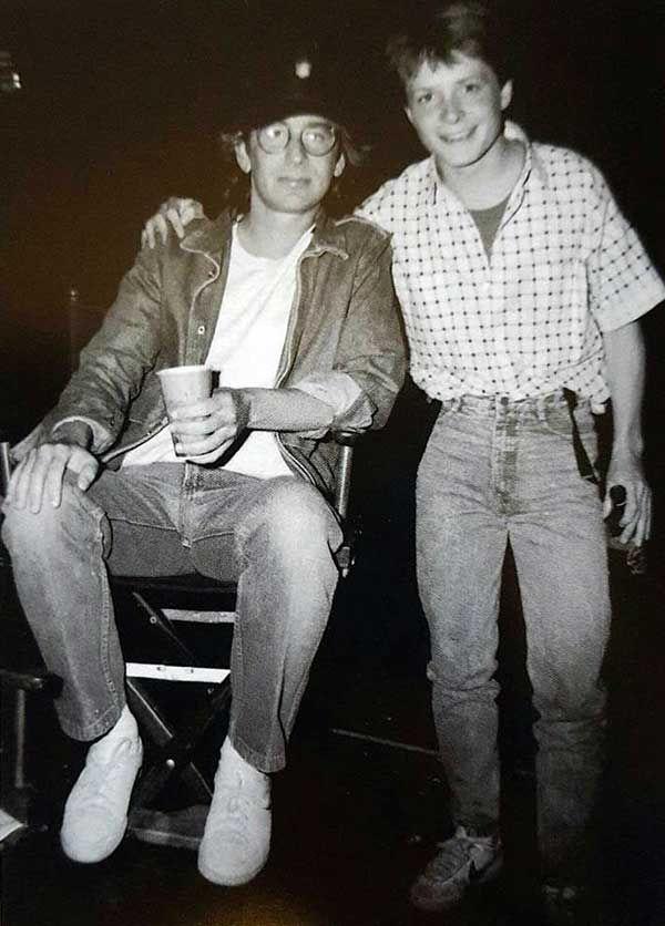 Стивен Спилберг и Майкл Дж. Фокс на съемках «Назад в будущее» (1985)