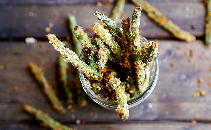 Egg-free, vegan-breaded green bean recipe.Fries Recipe, Food Ideas, Green Beans Fries, Healthy Eating, Fries Green Beans, Green Beans Recipe, Vegan Breads Green, Mr. Beans, Green Bean Recipes