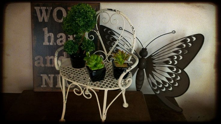 Portamaceta - Macetitas - Cartel WORK - Aplique mariposa para pared