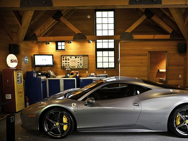 The ultimate garages for exotic cars need for speed for Garage parking nice