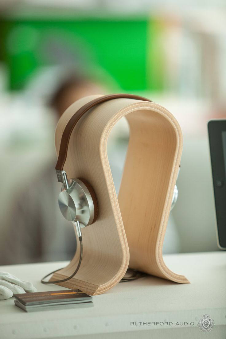 Fits like a glove. 8 Photos that perfectly describe Aedle Headphones.