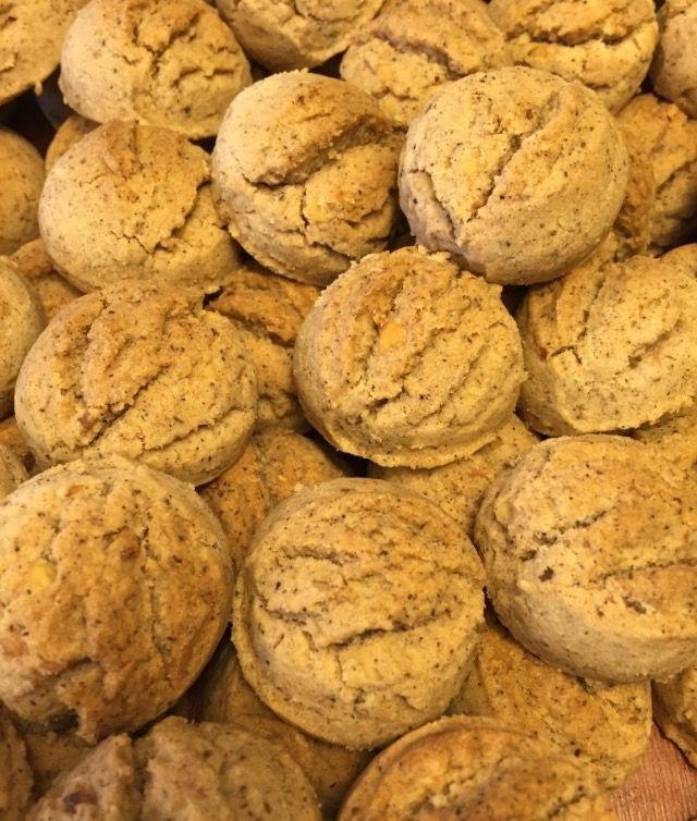 Nefis tahinli kurabiye tarifi denenmiş pratik ve lezzetli bir tariftir.Tahinli kurabiye nasıl yapılır?Tahinli kurabiye malzemeleri nelerdir?