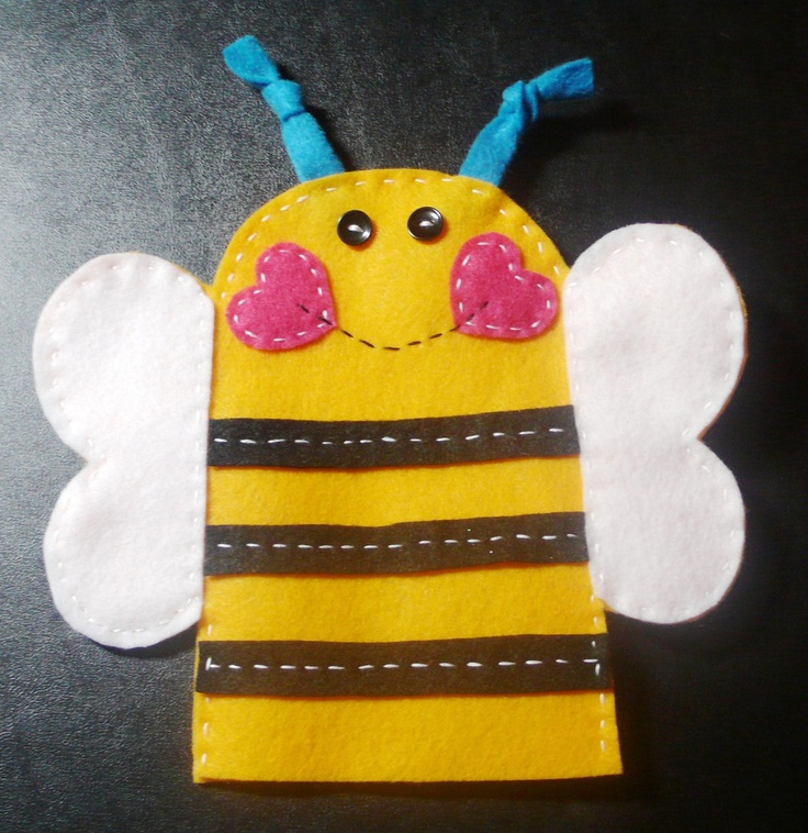 Valentine bee puppet bumble bee bulletin board crafts for Bee finger puppet template