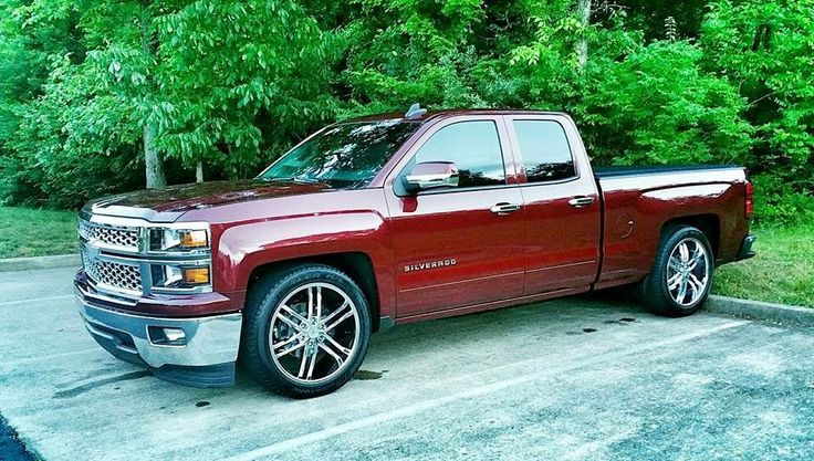 """2015 Silverado lowered 2/4 with 22"""" wheels 