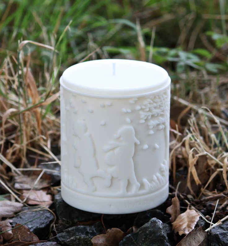 Luxury gifts from Devon - rapeseed candles 3D in relief