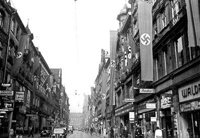 beflaggte Kaufringerstraße 1938