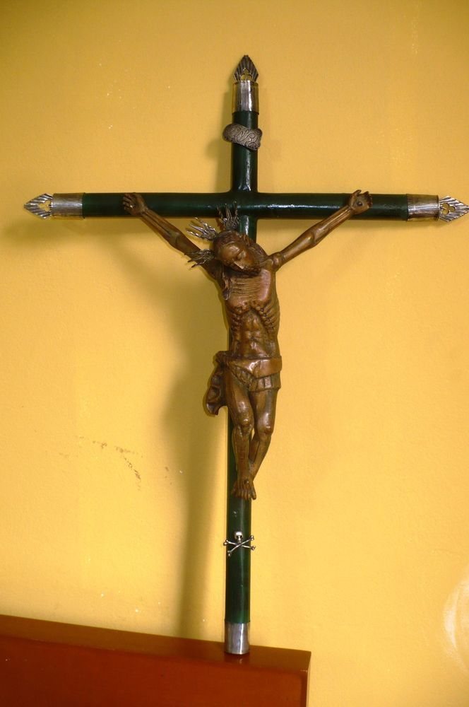spanish colonial, primitive Crucified Christ, carved  wood Naranjo silver