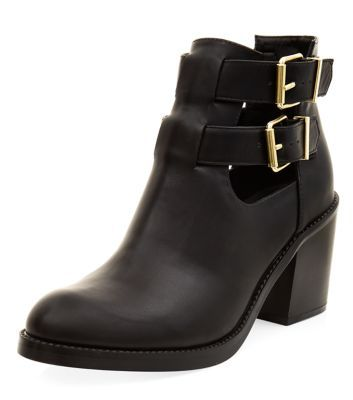 - Rounded toe- Cut out detail- Buckle fastening- Low block heel