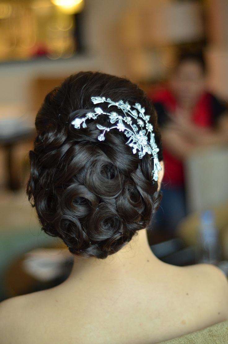 hairdo....