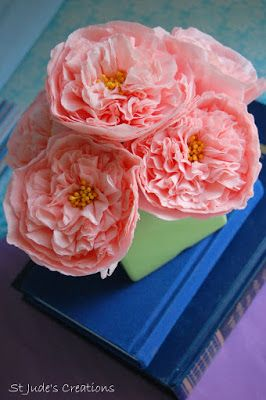 David Austin roses inspired vintage paper roses | Paper Flowers Tutorials by Maria Noble #crepe-paper-flowers  #paper-flowers