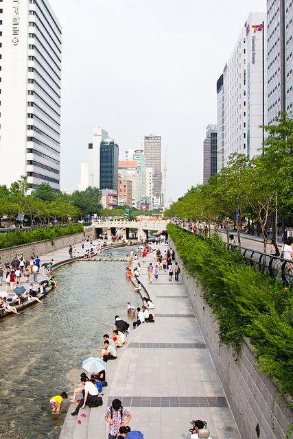 'Cheonggyecheon Stream,' Gwanghwamun, Seoul, South Korea.  | Mark Deibert Photography, on Flickr