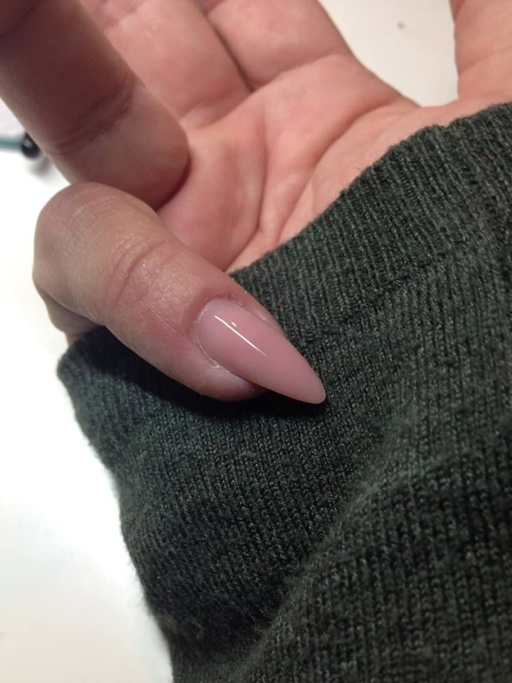 Gele negle, lavet med Sculpture Cover Gele. En ultra lækker negle uv gele som ikke flyder eller brænder KØB den hos Nail4you.dk Sculpture Negle Uv Gele skal hærde i Uv Lampe i 2 min