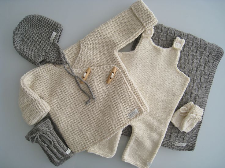 Ensemble bébé naissance au tricot