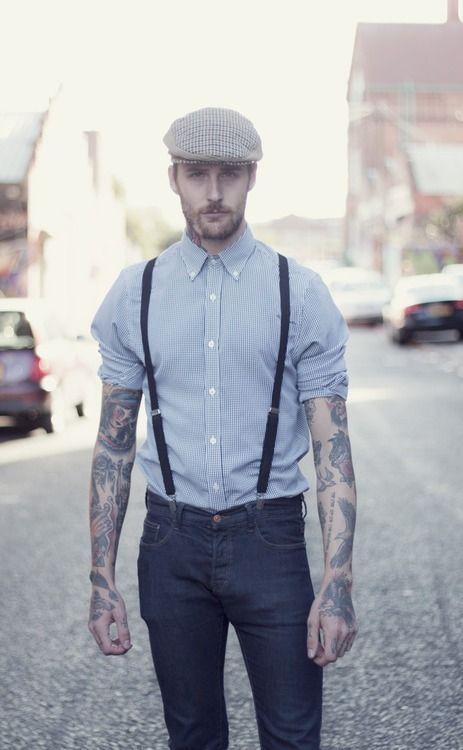 ブルー系チェックシャツ×デニムパンツにサスペンダーをプラス