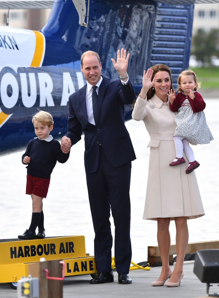 George is like '... uhhh come ON Mom and Dad!' October 2016 Photo:Mark Large/Daily Mail/PA Wire  via @AOL_Lifestyle Read more: https://www.aol.com/article/lifestyle/2017/03/30/some-new-yorkers-fuming-about-prince-georges-school/22018912/?a_dgi=aolshare_pinterest#fullscreen