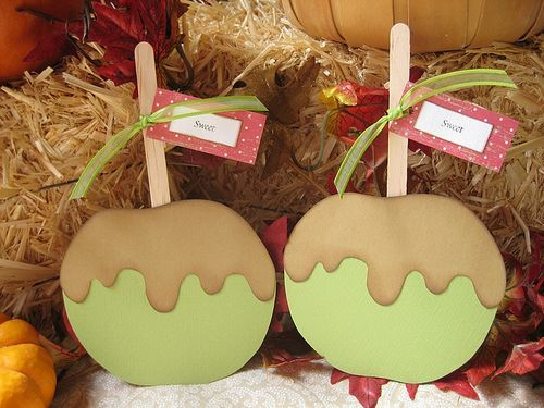 caramel apples for fall door tags!