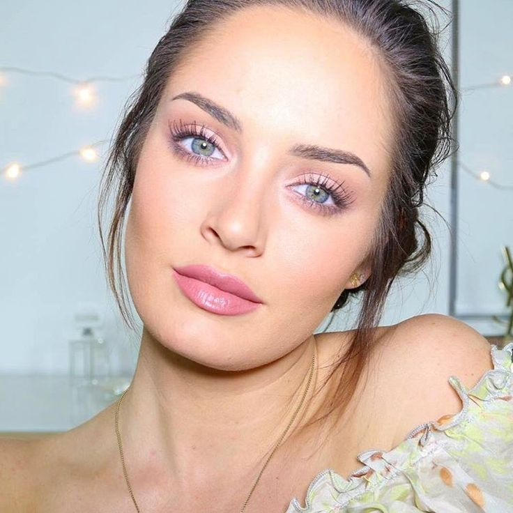If you're looking for some ideas for Valentine's Day makeup, go check Chloe Morello's YouTube channel!! She's got some awesome tutorials!!
