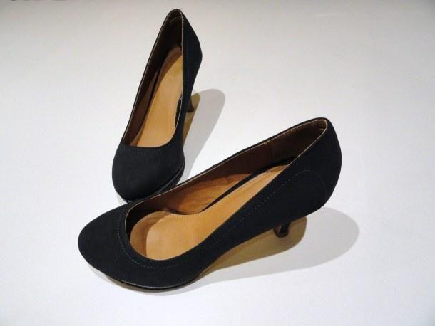 ¿Cómo arreglar unos zapatos que se nos han quedado grandes?