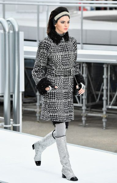 Kendall Jenner Photos Photos - Kendall Jenner walks the runway during the Chanel show as part of the Paris Fashion Week Womenswear Fall/Winter 2017/2018 on March 7, 2017 in Paris, France. - Chanel : Runway - Paris Fashion Week Womenswear Fall/Winter 2017/2018