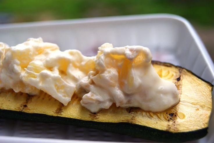 Wielki apetyt : Grill: Cukinia z serkiem i ananasem