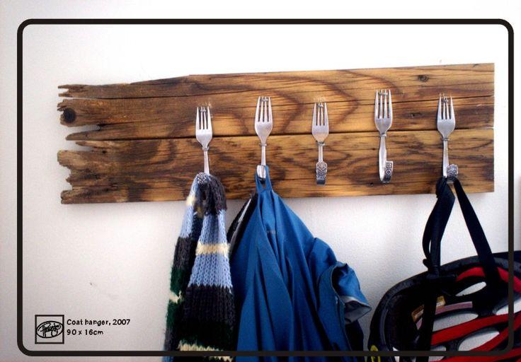 ¡Qué viva el universo #DIY! Cómo hacer un perchero de cocina con cubiertos.