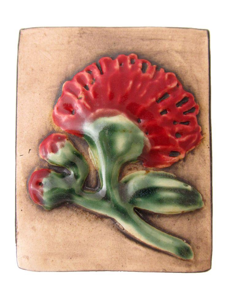 WJ20 Ceramic wall hanging depicting a Pohutukawa flower.