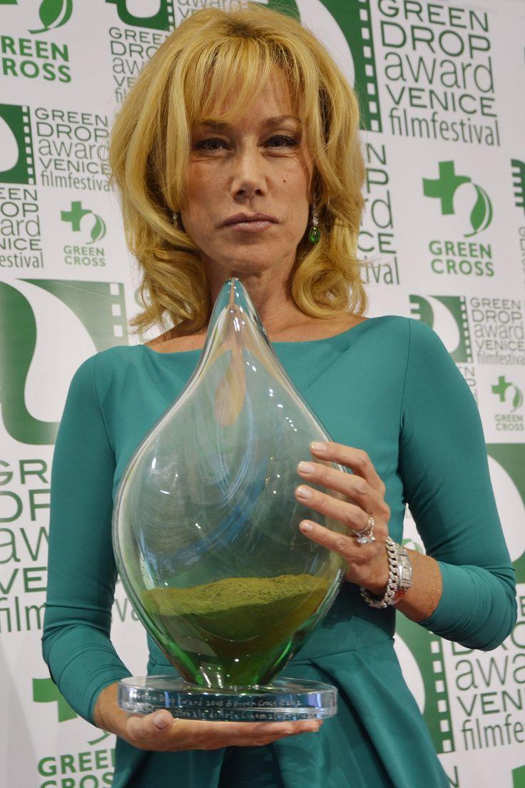 https://flic.kr/p/yEMWka | Nancy Brilli | Il green carpet della 72. Mostra del Cinema di Venezia www.greendropaward.com  Credit: Anna Moccia/Green Cross