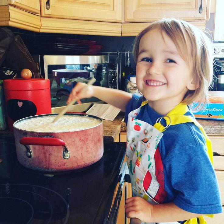 La vie avec mon zucchini a fabriqué sa propre ricotta à l'aide de notre kit U MAIN pour faire son propre fromage à la maison ! Un vrai jeu d'enfant ! :D