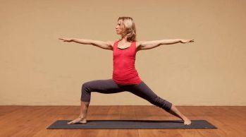¡Practique estas 10 posturas de yoga para ayudar a deshacerse de la grasa del vientre! - Perder Peso Ya !