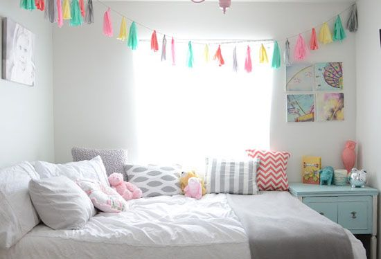 mommo design: BRIGHT AND GIRLY. Note - this would be a nice set up for a guest room for our house.