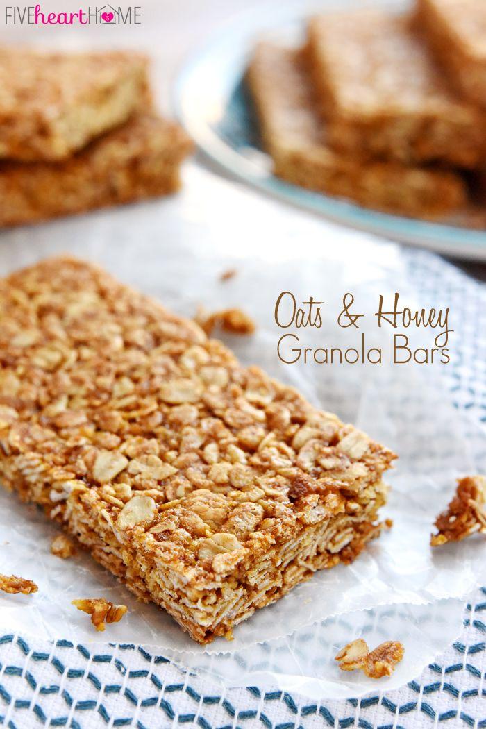 Avena y Miel Granola Bars ~ estos, todo-naturales barras de granola caseras se cuecen hasta que esté ligeramente crujiente, convirtiéndose en el perfecto desayuno-on-the-go o un aperitivo saludable, portátil | FiveHeartHome.com