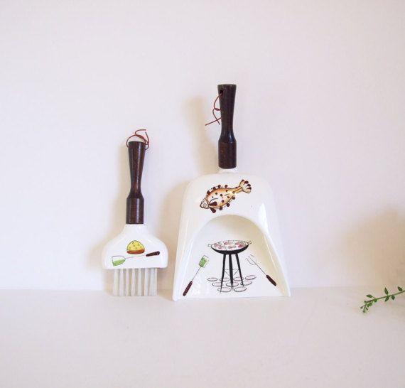 Retro Recogedor de mesa porcelana y madera / Mediados siglo
