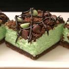 St. Patrick's Chocolate & Mint Cheesecake Bars, super yum?!?!!