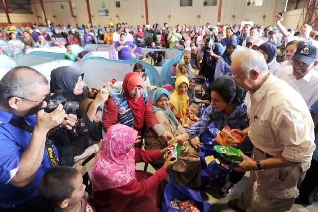 Saturday, 10 January 2015 | MYT 1:26 PM Najib: All Malaysians responsible to tackle causes of floods
