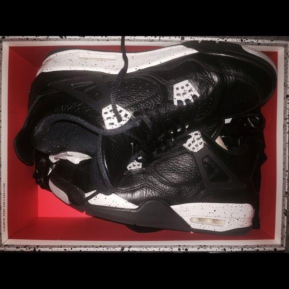 Air Jordan Retro 4's Oreos men's size 9 Men's size 9 retro Oreos 4's. Only worn a couple times. Great condition. Comes in original shoe box. NO TRADES Jordan Shoes