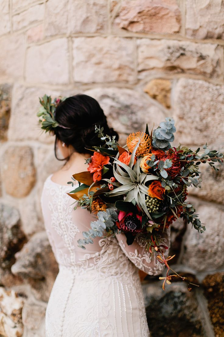 wedding bouquet with air plants - photo by Our Love is Loud http://ruffledlblog.com/colorado-wedding-with-earth-tones