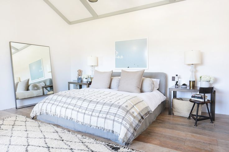 white/gray bedroom inspo