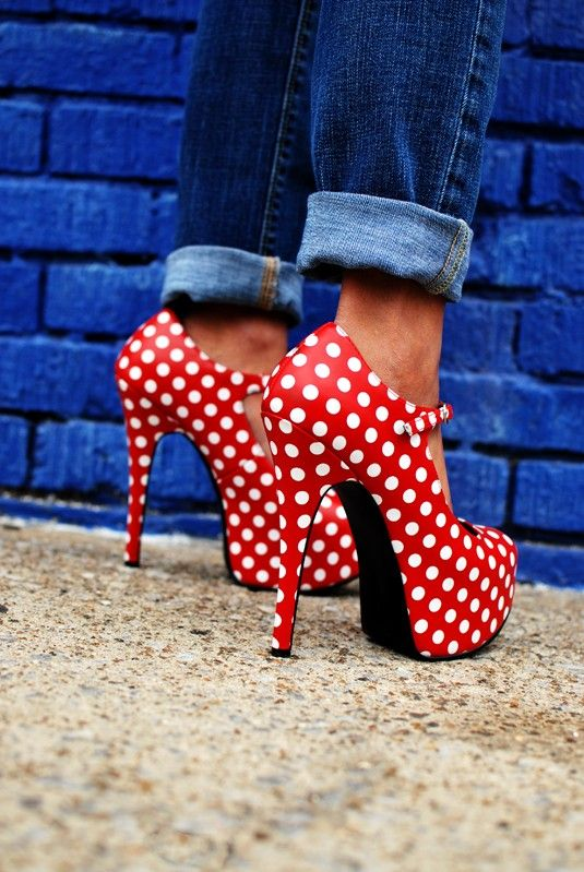 hot shoesFashion, Polka Dots Shoes, Red Shoes, Minniemouse, Minis Mouse, Minnie Mouse, Jeans, High Heels, Polkadots