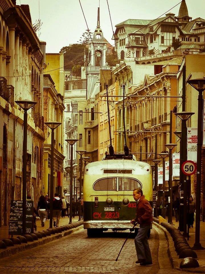 Valparaíso de mi amor con la luz y colores que me inspiraron a pintar y no lo…