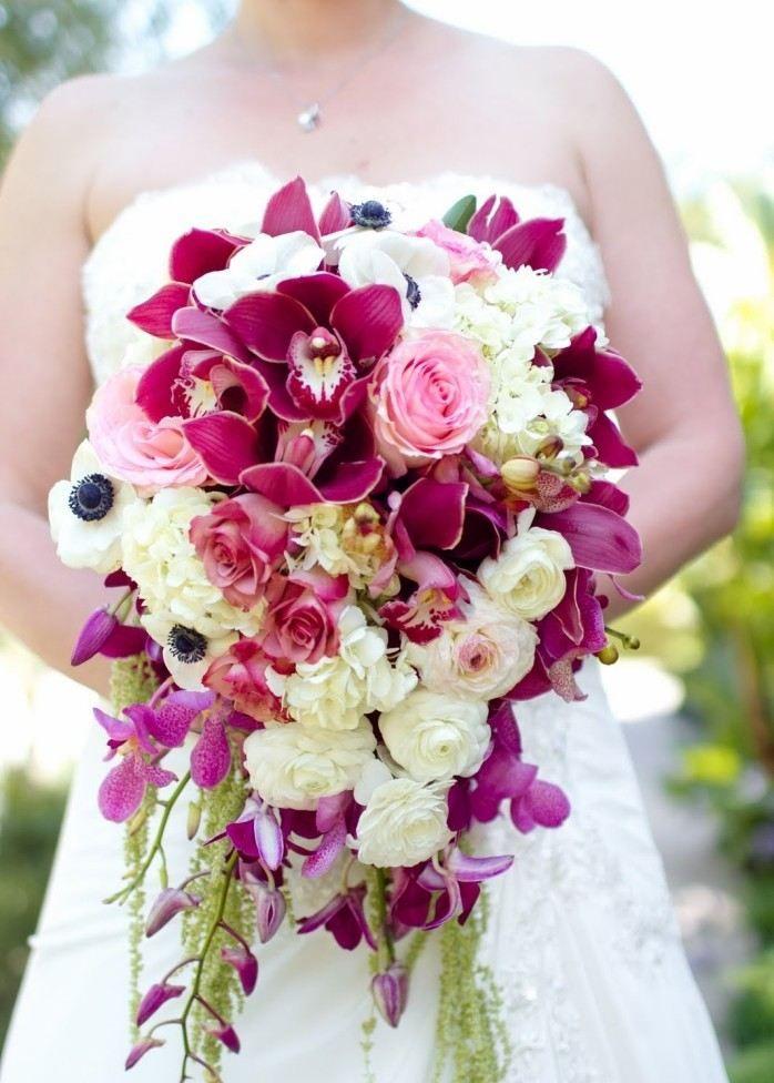 üppiger Tropfen-Brautstrauß mit Orchideen und Wicken-Purpur und Blassgelb