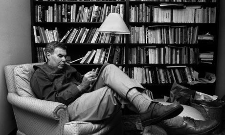 raymond carvers what we talk about A haunting meditation on love, loss, companionship, and finding one's way  through the dark, raymond carver's what we talk about when we talk about  love.