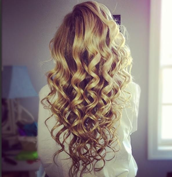 "These curls look so natural and pretty! The trick is to curl very small pieces and once you have about a handful of curls, use your hairspray and ""scrunch"" your hair! It works every time! One of my favorite hair curling tips! Gives a gorgeous beach-y curl effect!"