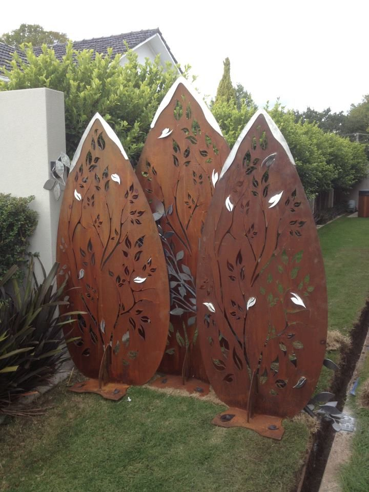 So much nicer than a boring fence!! Do you agree?  Custom leaves set with stainless tips and leaves.  Custom Made, stylish  and 100% Australian  made products!