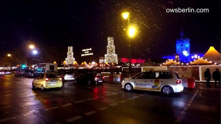 Weihnachtsmarkt vor dem Schloss Charlottenburg Berlin.