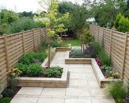 Long back garden,...