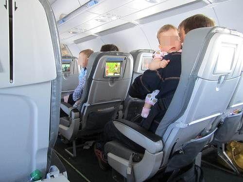 Prendre l'avion avec bébé et enfants: les conseils d'une maman | VOYAGES ET ENFANTS |Blog