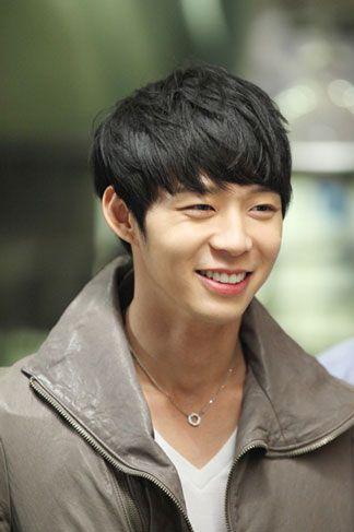 http://dramahaven.com/park-yoo-chun-very-grateful-to-praises-on-his-acting/