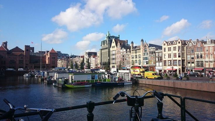 This is the reason why I start here with the Linda Presents Amsterdam Tour! This is where it all started with this lovely city! #Amstelriver