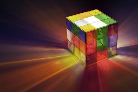 L'idée de la Rubik's Lamp vient du célèbre jeux que vous connaissez tous déjà le «rubik's cube». Comme le vrai jeux, cette lampe est composé de 26 petits …
