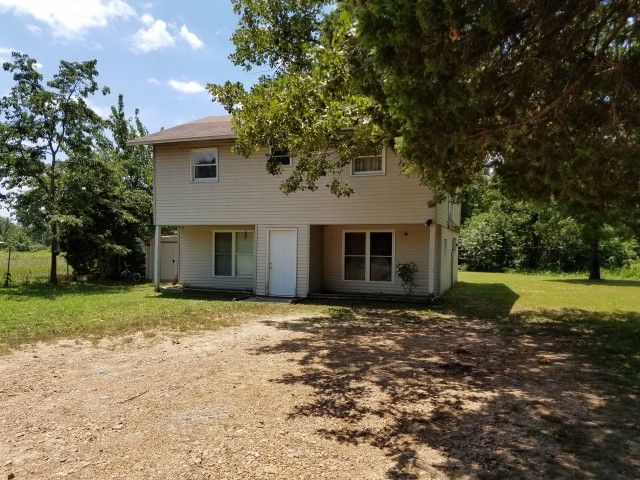 1580+ SQ. FT. HOME ON NEARLY 7 ACRES! LESS THAN 10 MILES FROM DOWNTOWN HARDY, ARKANSAS & SPRING RIVER!! FRONTS ON STATE HWY 175! 3 BEDROOMS & FULL BATH ON THE SECOND FLOOR. 3/4 BATH / LAUNDRY ROOM COMBO ON MAIN LEVEL. PRIVATE WATER WELL & SEPTIC SYSTEM. NO RESTRICTIONS!!!! CONTACT JEFF AT 870-371-1240